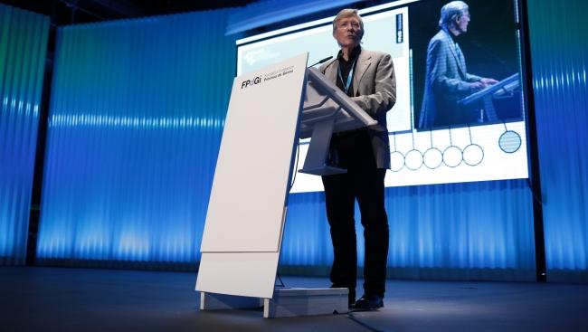 """Rolf Tarrach: """"En democràcia cal ser responsables i no podem ser-ho si no tenim el bon saber"""""""